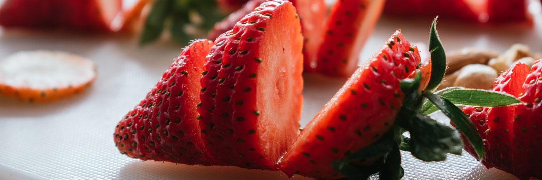 Carpaccio de fraises au fromage de chèvre