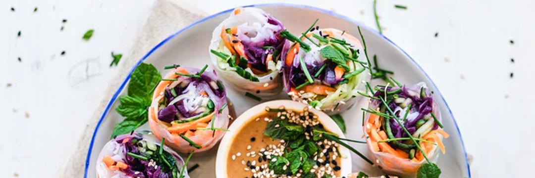 Lenterolletjes met gemarineerde rauwe tonijn